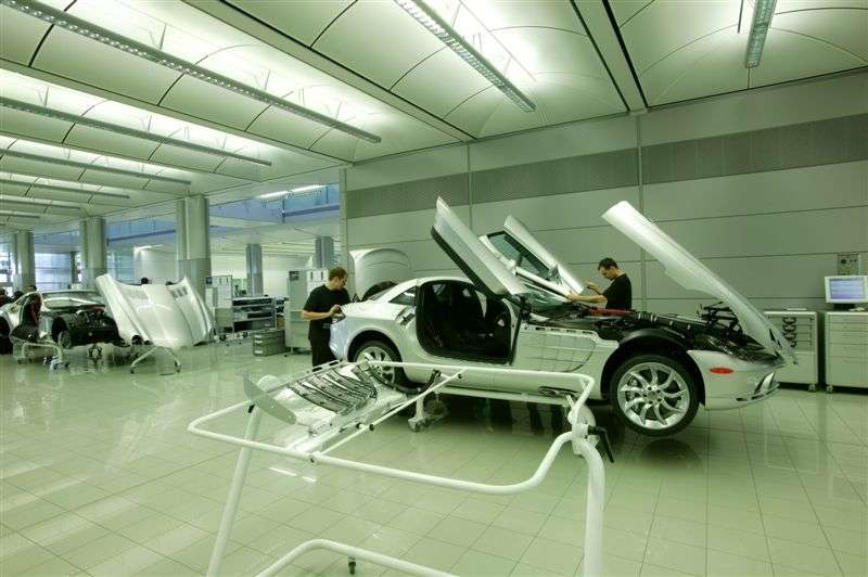 Как делают самый дорогой спорткар в мире? (ФОТО)
