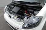 Моторное отделение автомобиля Passo TRD Sport M.