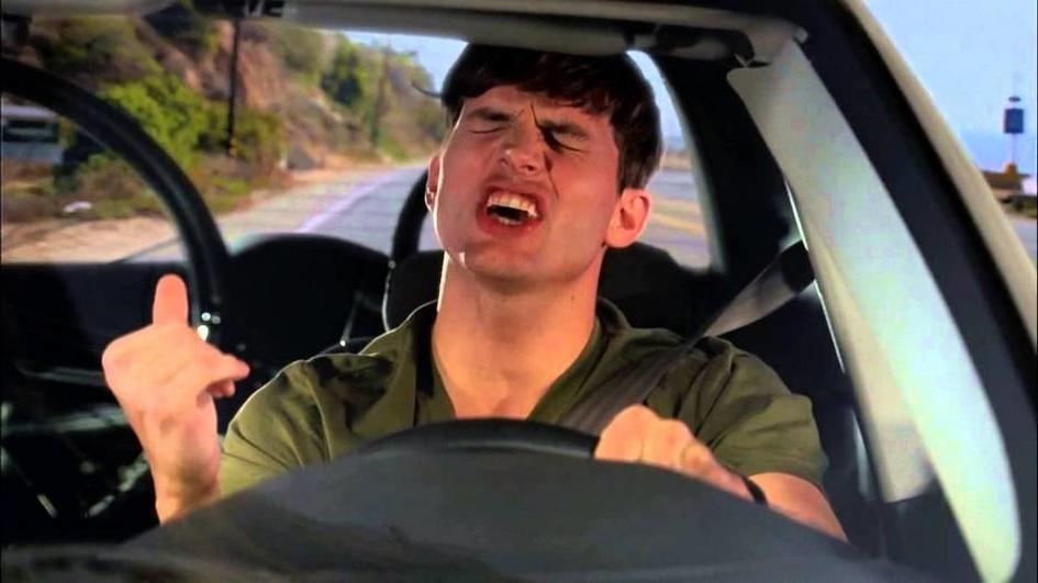 Надо больше петь водителям