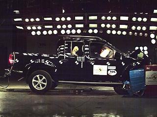Nissan никогда не числился в неудачниках Euro NCAP, а тут вдруг с популярным пикапом Navara вышел такой казус. Будем ждать реакции инженеров компании.