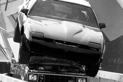 5. Pontiac Trans M, «Рыцарь дорог» 325 км/ч