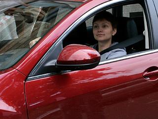 Агентство финансовых исследований НАФИ, например, утверждает, что 18% владельцев автомобилей — женщины. Если это так, то многие ездят на автомобилях, принадлежащих мужчинам. Женщин-водителей становится всё больше. Но до Европы, где соотношение водителей-мужчин и водителей-женщин практически равно, нам ещё далеко.