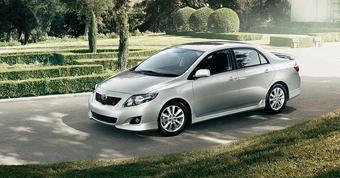 Toyota Motor увеличила поток поставляемых в Россию автомобилей Corolla, поэтому в августе машины этого семейства заняли вторую строчку по популярности среди иномарок.