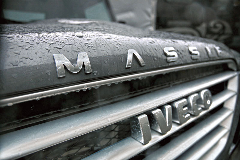 Iveco Massif - бюджетный аналог английского «проходимца»