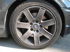 Датчики ABS крепятся на тормозном суппорте колеса