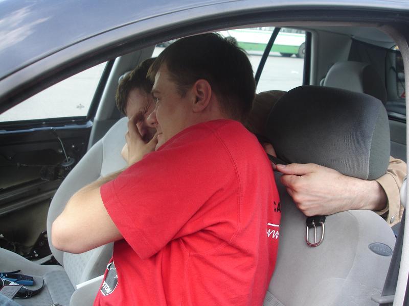 Приемы самообороны в автомобиле