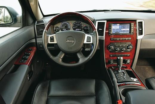 Jeep Grand Cherokee Overland: внешность обманчива