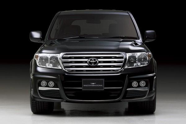 """Toyota Land Cruiser превратился в """"Черного бизона"""""""