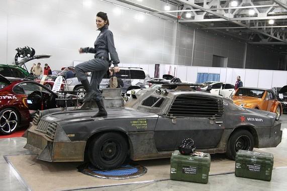 Российские студенты превратили Chevrolet Camaro в танк