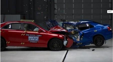 Маленькие машины не так безопасны, как показывают краш-тесты