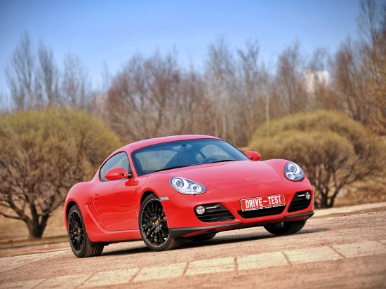 Употребляем Porsche Cayman, не разбавляя и незакусывая