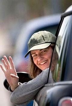 Автомобильный этикет: как общаются водители?