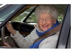 Уроки парковки от пенсионерки на BMW X5