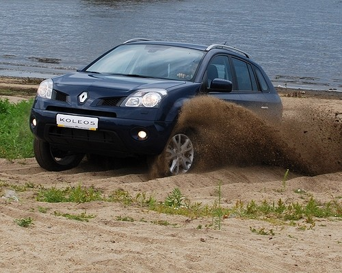 Тест шести паркетников – не спас и трактор...