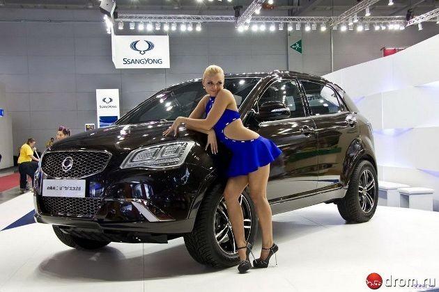 Девушки Московского автосалона 2010 - ФОТО