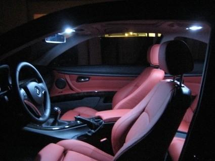 Исследование: освещенность салона автомобиля влияет на ощущение безопасности