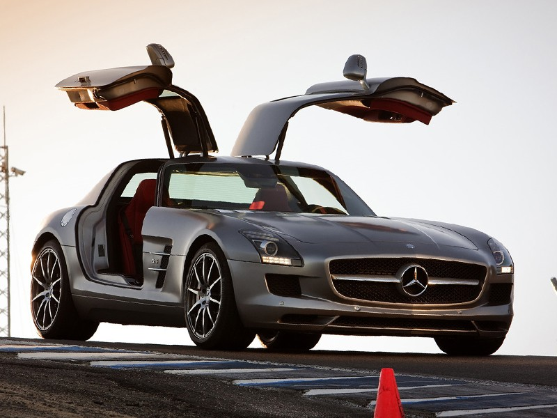 Топ-10 лучших авто от журнала Playboy