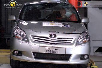 Euro NCAP публикует список самых безопасных машин 2010 года