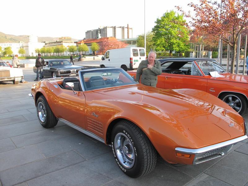 Вечерний показ от клуба любителей американских автомобилей