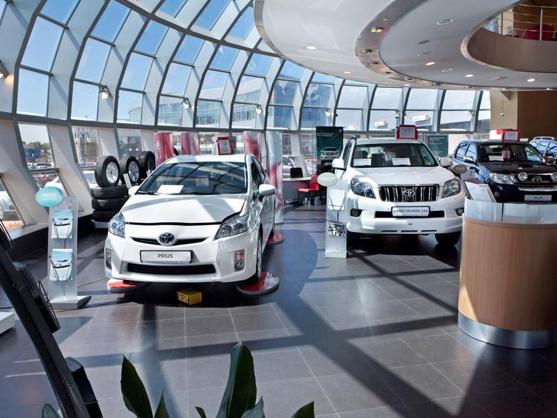 Россияне купили машин на $17 миллиардов