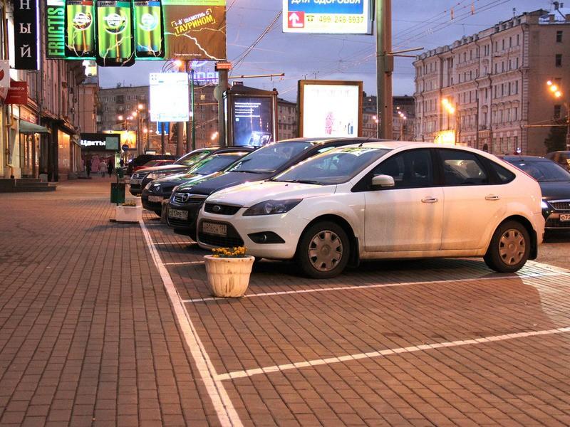 Установка ограждений на парковке будет караться штрафом