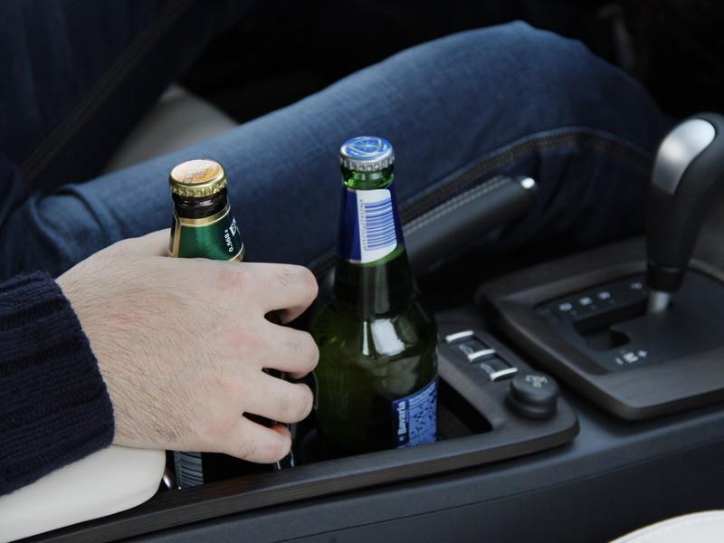 За вождение в пьяном виде оштрафуют на 10000 рублей и лишат прав на 7 лет