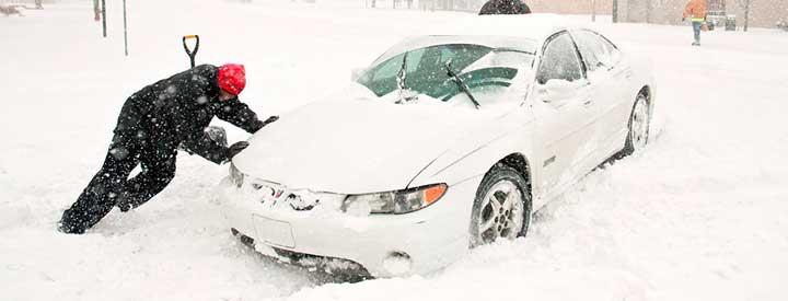 10 cоветов как выехать, если застрял в снегу