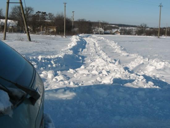 Учимся правильно выезжать из снежных заносов