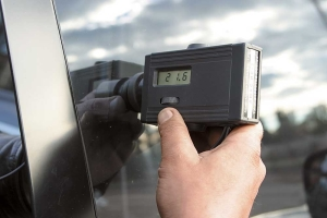 Проверка степени затененности стекла: правила