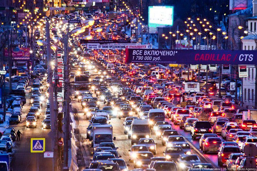Приложения и другие актуальные способы, отражающие пробки на дорогах в реальном времени, как определяют заторы