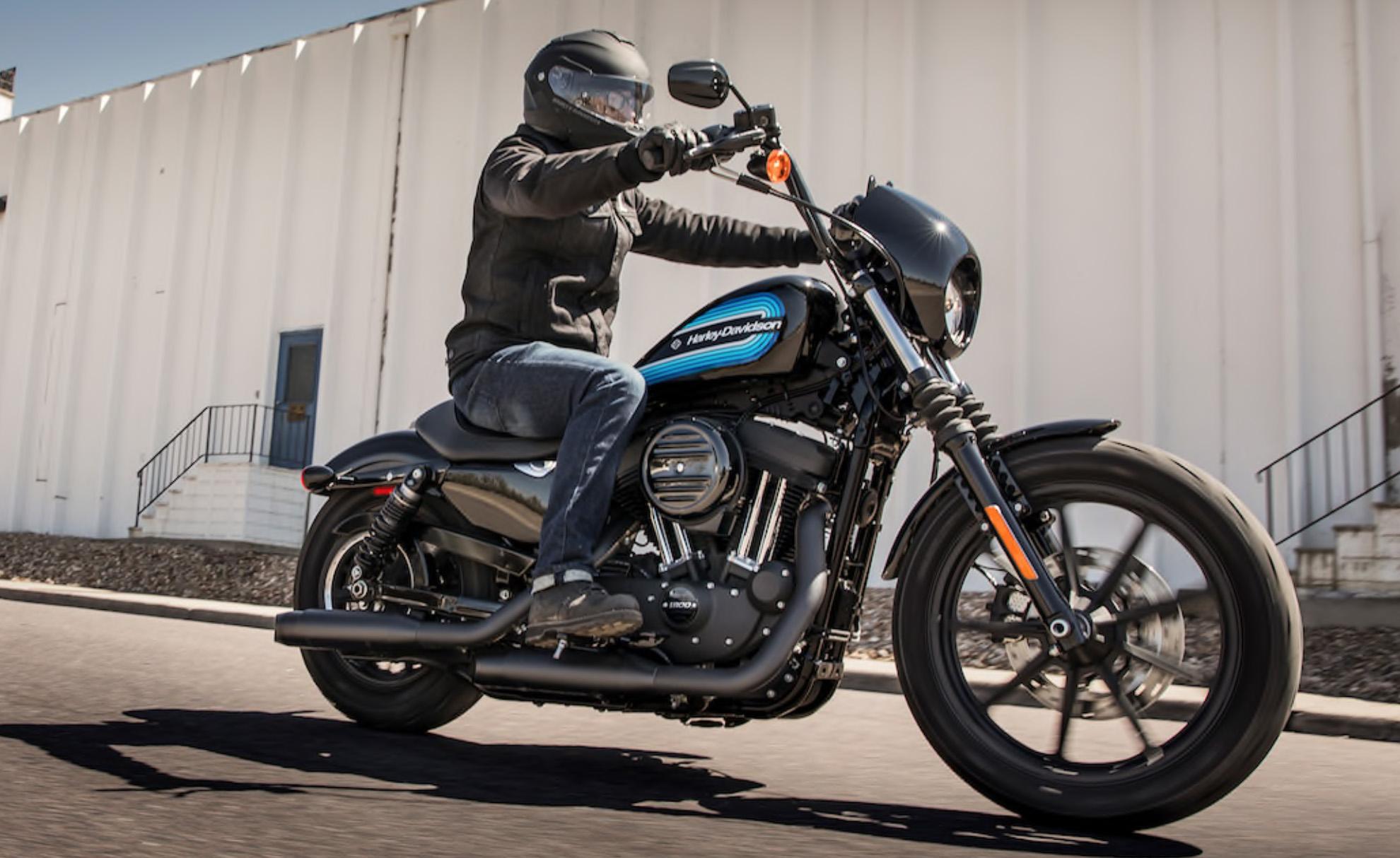 Семейство мотоциклов Sportster, к которому относится Harley-Davidson Iron 1200