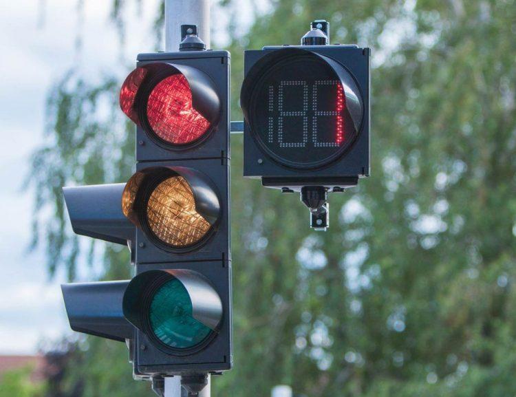В России хотят установить умные светофоры