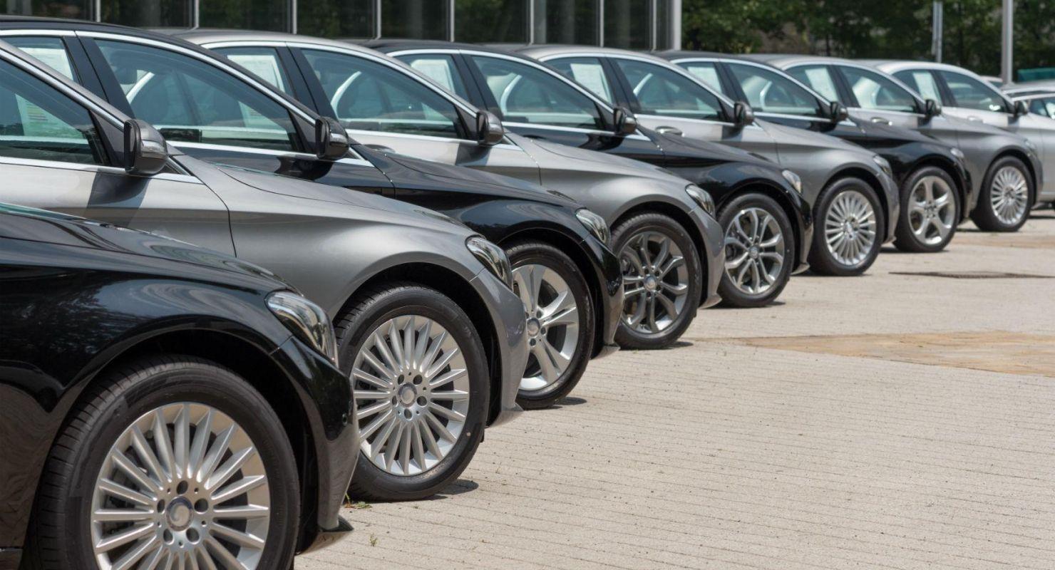 Автодилеры рассказали, ждать ли осенью дефицита машин